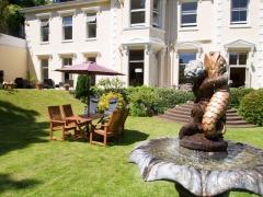 garden-water-fountain-lawn-terrace