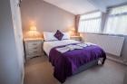 Standard Cosy Room with en-suite shower 02