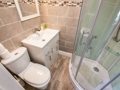 Premium Superking or Twin Sea View - Power Jet Shower Bathroom in Room 3