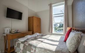 Cosy Sea View Rooms